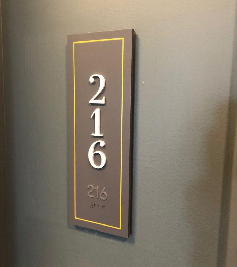 Elan-Suite-Sign